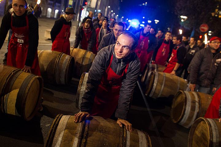Le Beaujolais nouveau est arrivé paris france 2012 wine ile de france