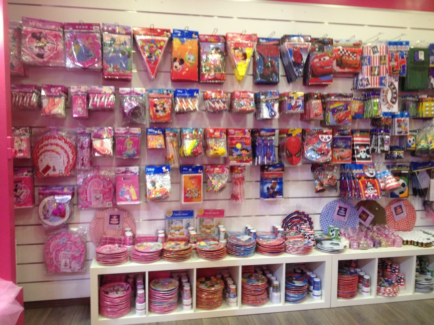 Party Supplies Cupcake Lovers in Paris France 75017