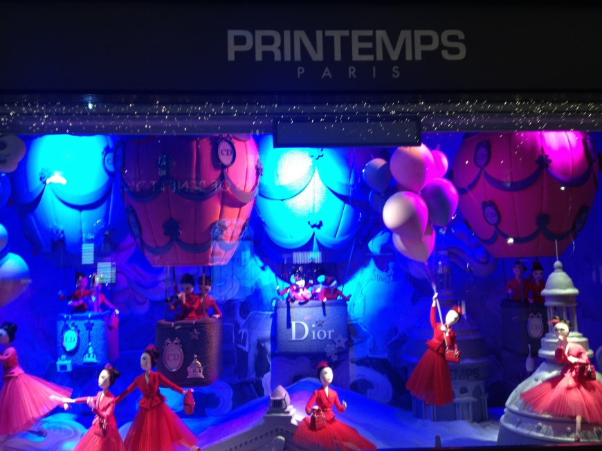 Dior scene at Printemps Vitrines decembre 2012