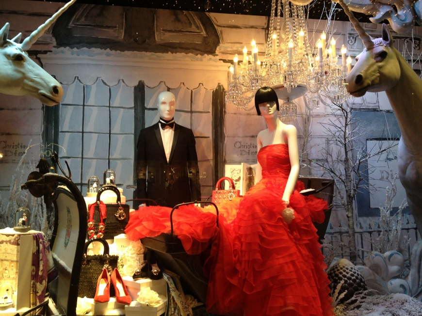Dior window display at Printemps vitrines paris printemps 2012 decembre