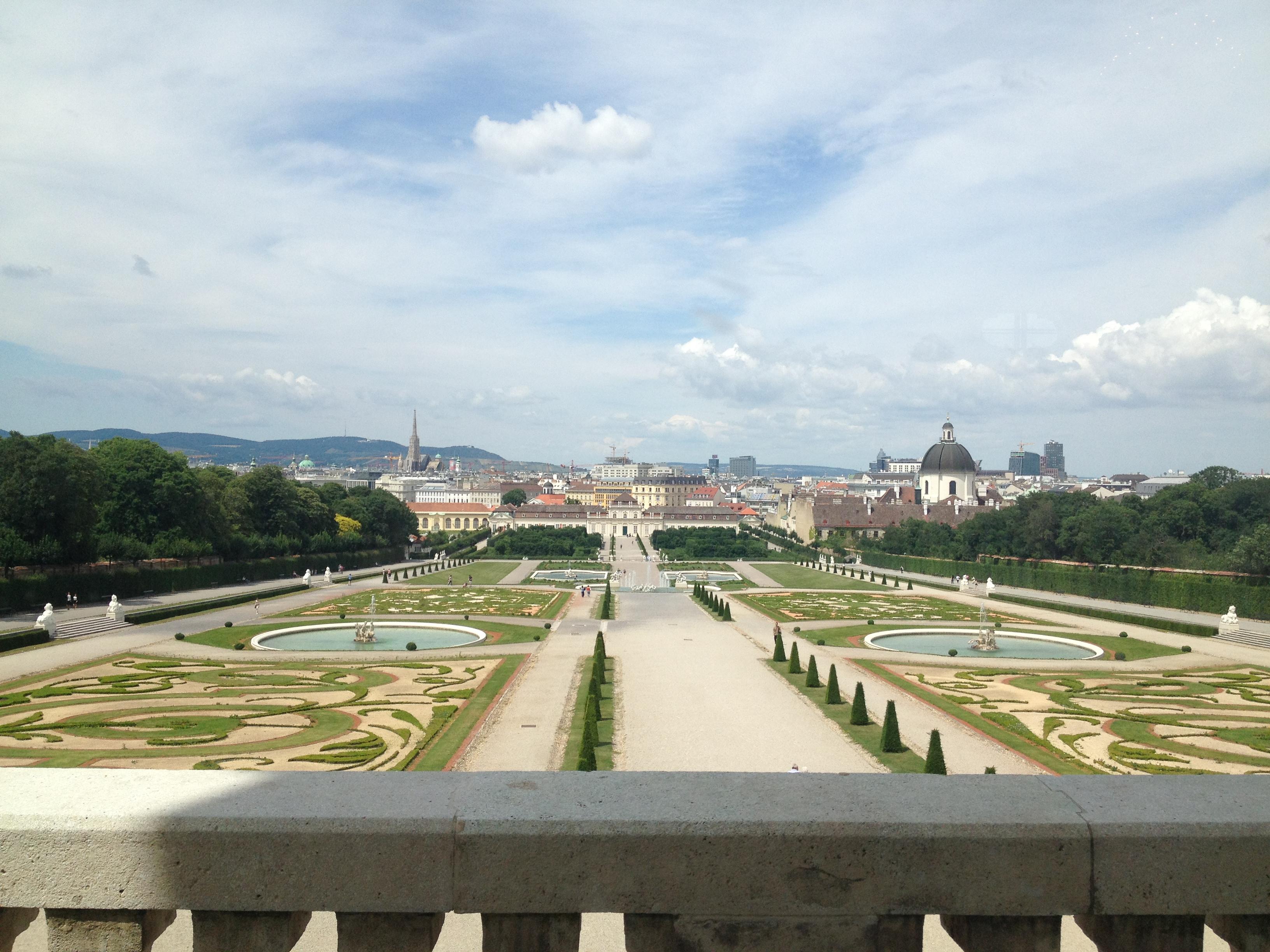 Gardens at the Belvedere Museum Vienna Austria osterreich wien vienne autriche the kiss le baiser klimt der kuss