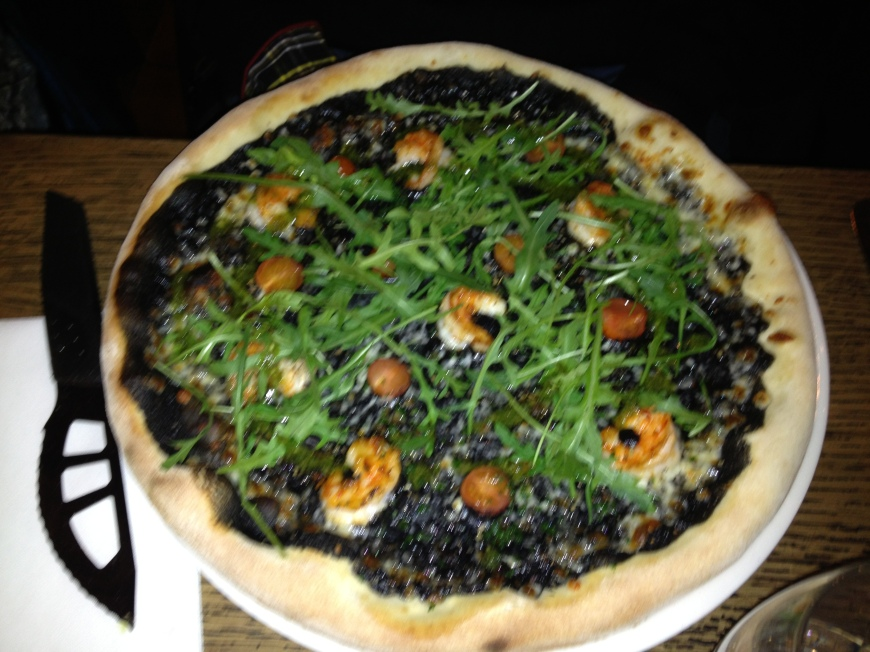 Le Stand Restaurant Plat du Jour: Prawn Pizza or pizza au gambas 14e arrondissement paris france edgar quinet restaurant