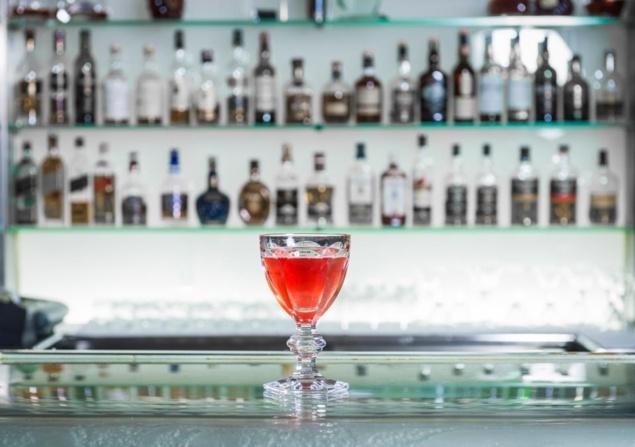 centennial drink plaza athenee Thierry Hernandez