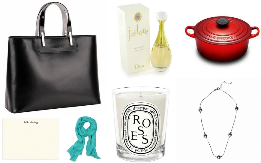 Bag - Lamarthe Cabas Portofino / Hello Darling - Dempsey & Carroll / Foulard - Lafayette Collection / Candle - Diptyque / Perfume - J'adore by Dior / Cocotte - Le Creuset / Necklace - Agatha