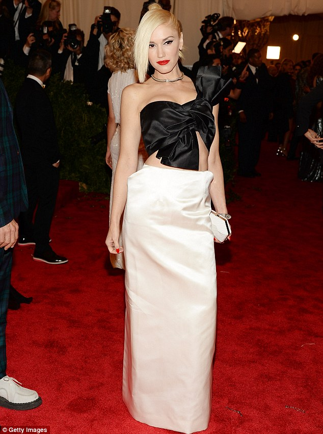 Gwen Stefani vogue costume ball met gala 2013 new york city Maison Martin Margiela cut-out gown and Fred Leighton jewels