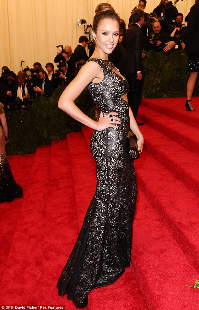 jessica alba Vogue 2013 Costume Institute Gala Red Carpet