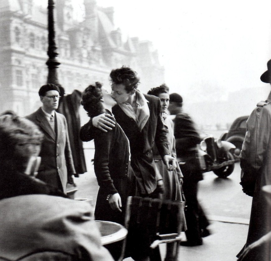 the kiss picture paris robert doisneau the kiss Le baiser de l'hôtel de ville (Kiss by the Town Hall)