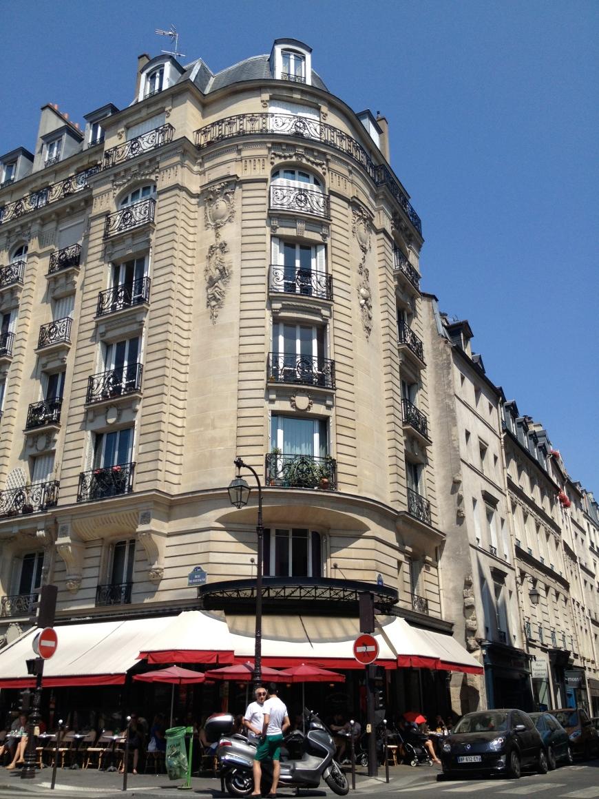 cafe charlot marais paris patriciaparisienne marche des enfants rouges
