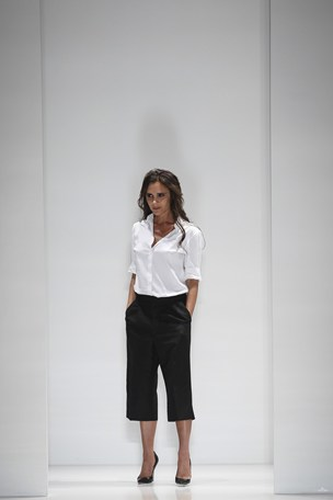 Victoria Beckham spring/summer 2014 collection new york fashion week paris england runway show