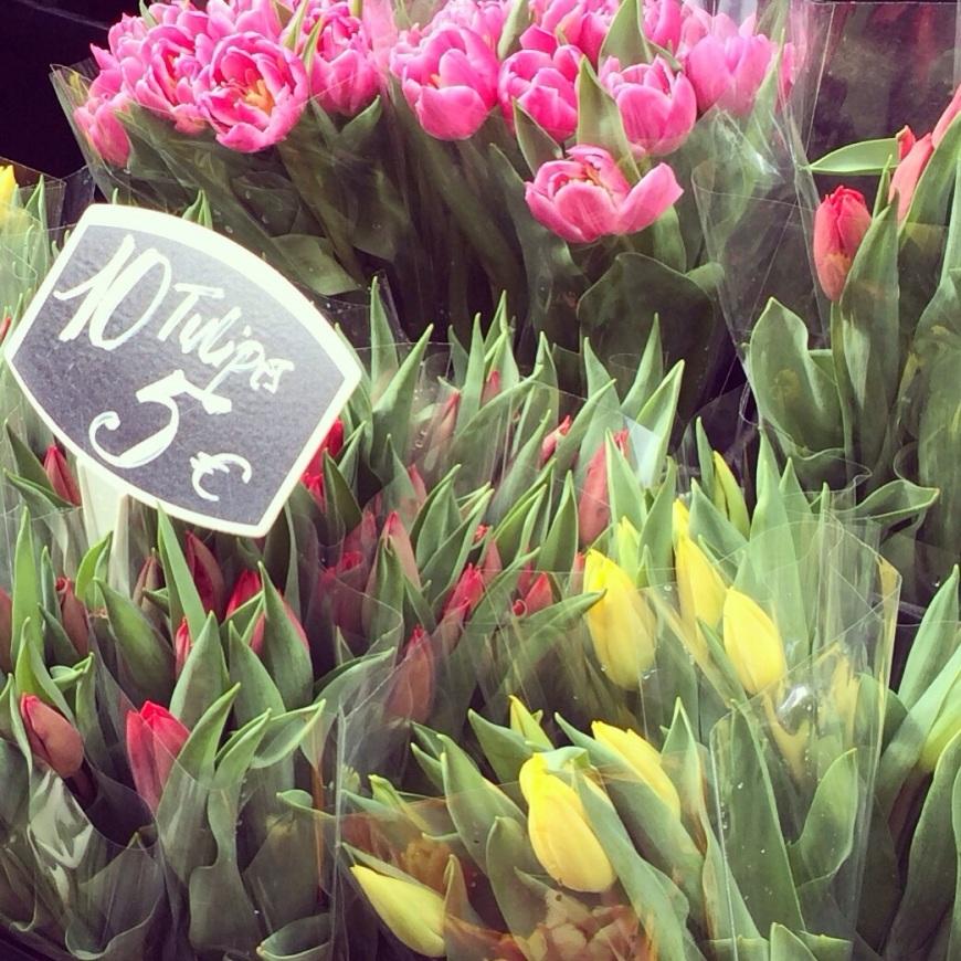 rue Cler Paris PatriciaParisienne tulips